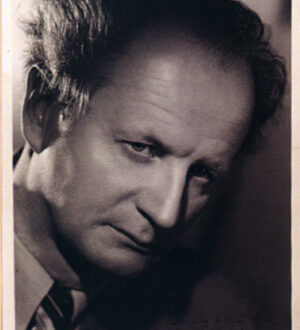 "The photo of Kempff he gave to Idil after the Paris concert with the following words written: [on the front] ""Meiner lieben Idil - Wilhelm Kempff - Paris 7 II 1953"" [English: My dear Idil Wilhelm Kempff - Paris 7 II 1953]; [on the back]: ""Idil Biret, meiner Kollegin im Mozartkonzert (7/8 II 53 in Paris, Theatre Champs de Elysées) in Bewunderung ihrer Leistung. Wilhelm Kempff Paris, 8 II"" [English: Idil Biret, my colleague in the Mozart concerto in admiration of her performance]"