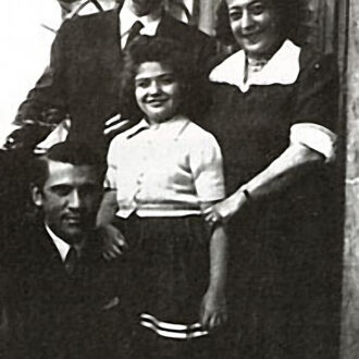 Idil Biret and her Family with Kodalli