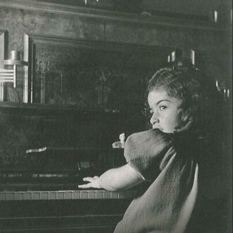 Photo Idil cocukluk belgesel kapak